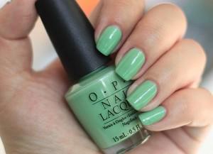 esmalte-de-unas-color-verde